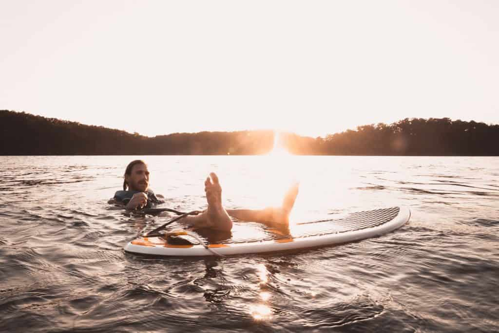 wakesurf board eau skimboard rider débuter corde conseils cours