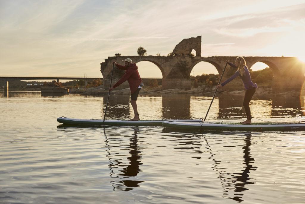 board gonflable débutants position progresser techniques équipe corps planches monde