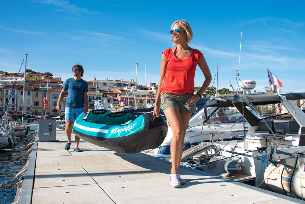 sevylor personne gonflables taille dimensions étanche embarcation bateau capacité sac