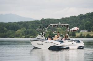 bateau boat wakesurf wakeboard ballast riders